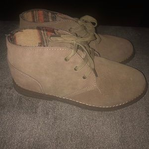 Cherokee Shoes - Boys boots size 6